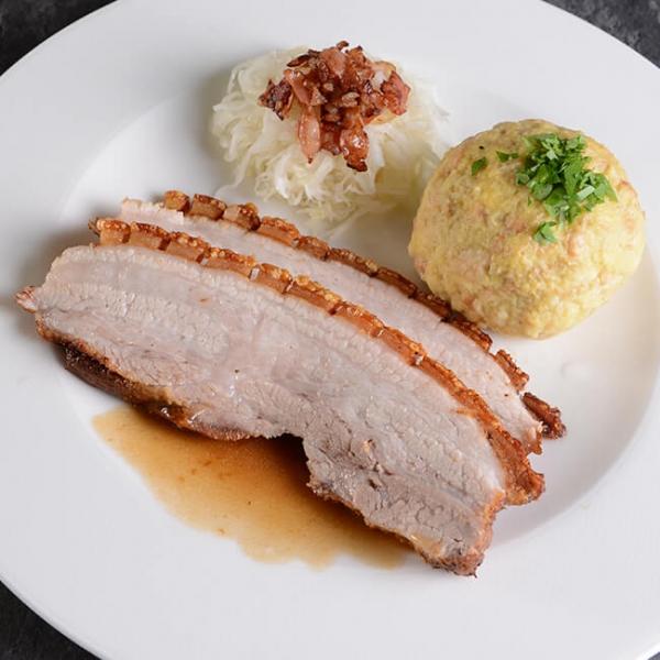 Duroc Bauchfleisch gekocht, Schweinebraten vom Duroc Schwein