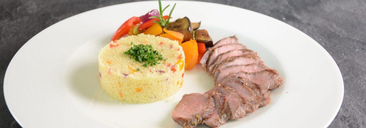 Lammrücken mit mediterranem Gemüse und Couscous