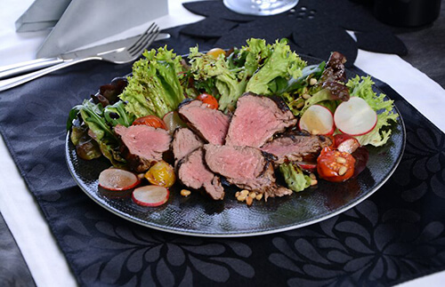 Filetspitzen mit mediterranem Salat