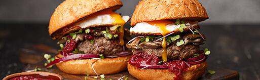 Burger, Burger online kaufen. Burgerfleisch online kaufen. Die Burgerpakete von Wiesbauer Gourmet jetzt im Online Shop bestellen