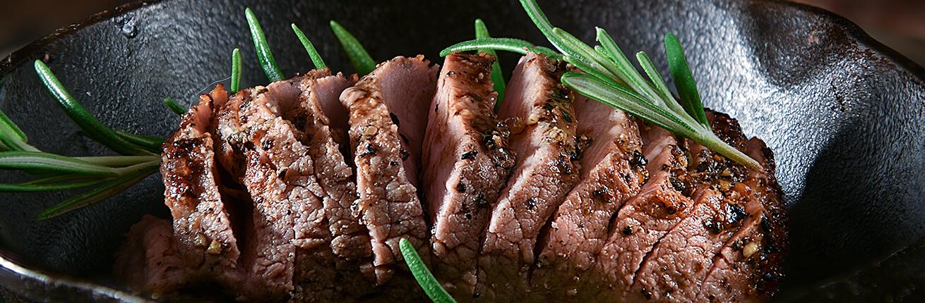 Schweinslungenbraten online kaufen ➤ Premium Filet im Ganzen als Schweinslungenbraten oder als Filet Steaks kaufen ✓ Schweinslungenbraten online kaufen!