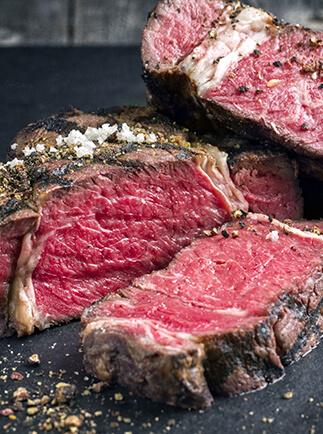 Kobe Rind – die aufwendige und legendäre Haltung. Kobe Rind Fleisch kaufen im Online Shop.