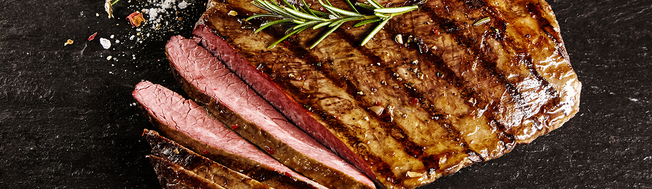 Flank Steak kaufen, Dünnung, Flank, Flanksteak online kaufen ✓ Premium Rindfleisch aus den USA - schnelle Flank Steak Lieferung binnen 24 h.