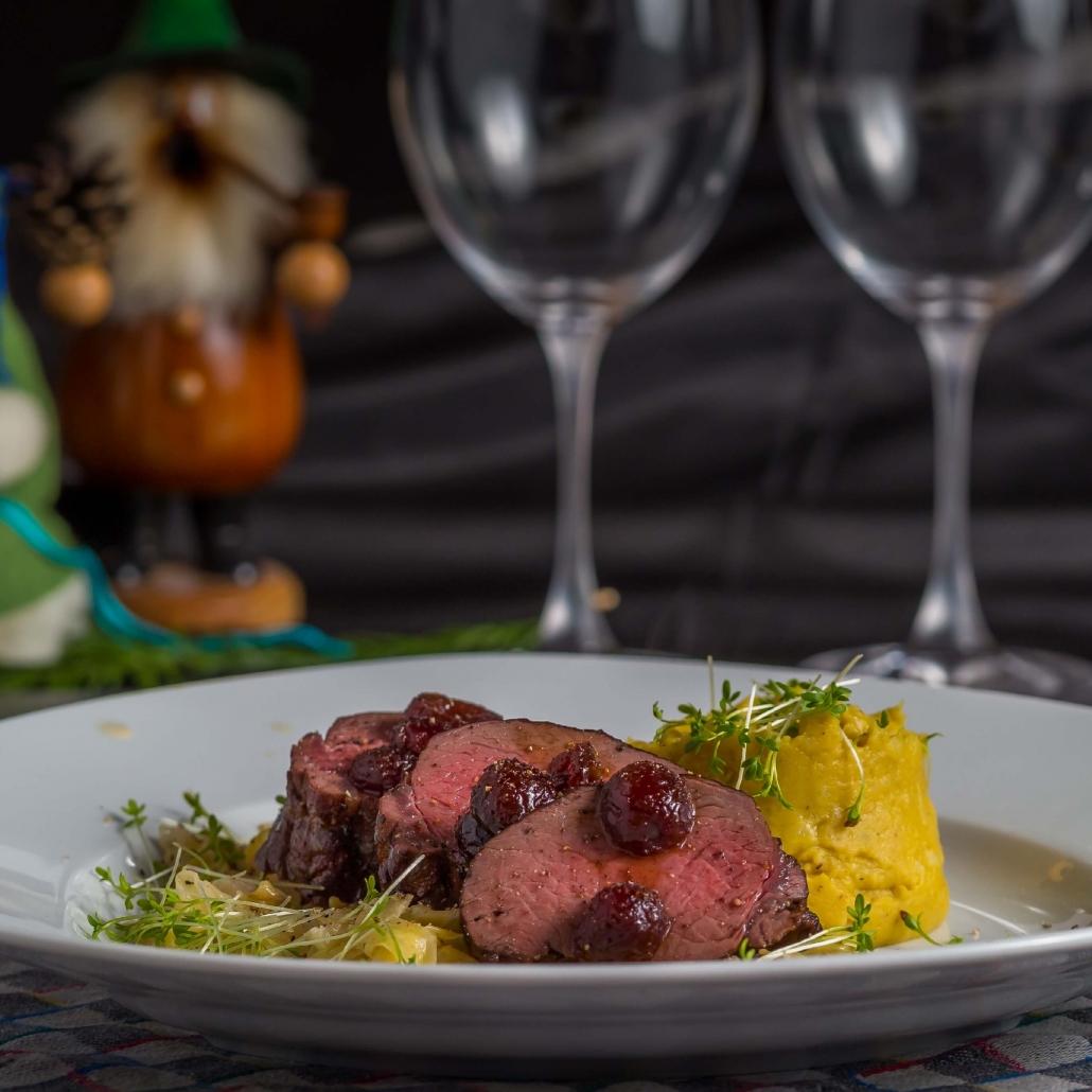 Hirschrücken kaufen, Hirschrücken Rezept. Hirschrücken in bester Fleisch Qualität online kaufen