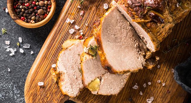 Schweinebraten kaufen, Schweine Braten bestellen, Schweinsbraten online kaufen bei Wiesbauer-Gourmet. Bestes Fleisch für Schweinsbraten online kaufen