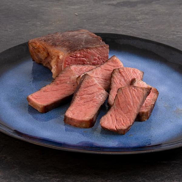 Easy Steak Beiried 300 g = 1 Steak ➤ gelingsischeres, Sous-vide Beiried Steak. Regionales Fleisch, in wenigen Minuten zubereitet. Beiried Steak kaufen.