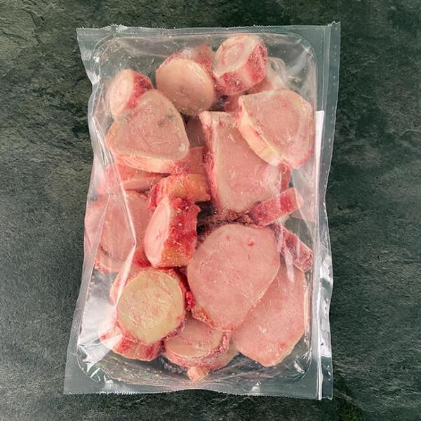 Rinder Markknochen aus Österreich 2 kg ➤ Rinder Markknochen kaufen. Rinder-Markknochen für herrliche Suppen und reduzierte Fonds bei Wiesbauer-Gourmet