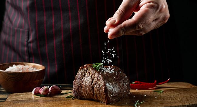 Sirloin kaufen Hüftsteak ✓ Hüfterscherzl ✓ Ochsenfetzen ✓ zum Grillen oder in der Pfanner braten, in 24 h geliefert