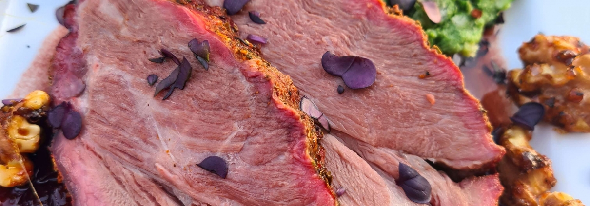 BBQ Guide´s Wildschweinnacken mit Brennnesselknödel